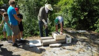 7. schůzka - u včel na školní zahradě